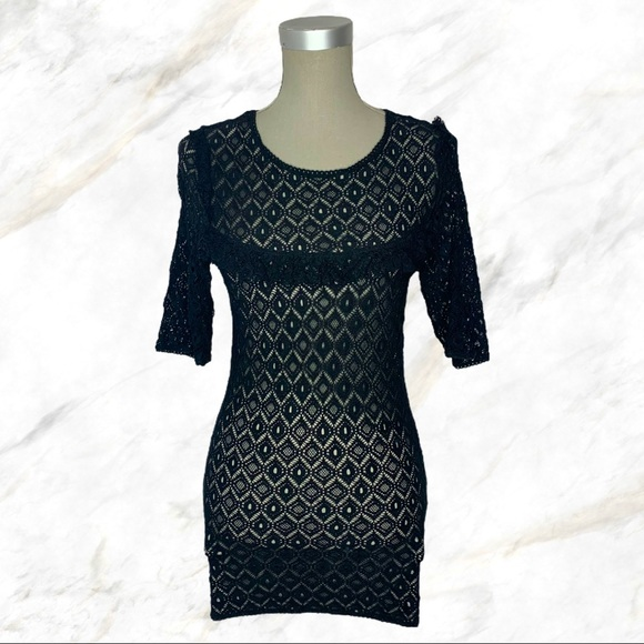 Wilfred | Black Frill Chest See-Thru Lace Top